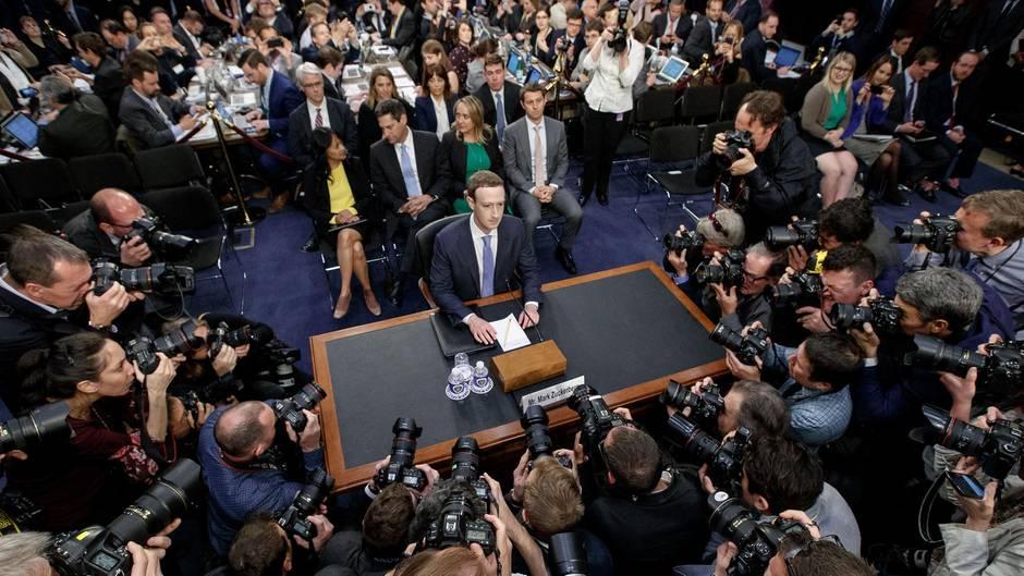 Mark Zuckerberg von Facebook vor dem US-Senat
