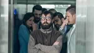 Ein Angestellter wirft seinem Chef vor, ihn immer wieder angefurzt zu haben