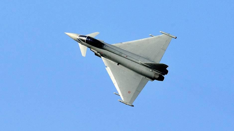 Ein Eurofighter der italienischen Luftwaffe (Archivbild)