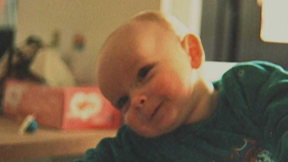 Kim kam 1992 als Junge auf die Welt. Die Eltern Lutz und Kornelia Petras nannten ihn Tim, sie hatten bereits zwei ältere Töchter.