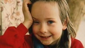 Der kleine Tim wollte sich schon immer lieber kleiden und aussehen wie ein Mädchen.
