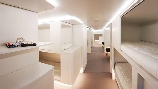 Im Unterdeck, wo sonst Cargo-Container transportiert werden: So stellen sich Airbus und die Firma Zodiac die Schlafgemächer vor.