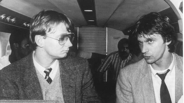 In den Achtzigern hat van Hout (l.) gemeinsam mit Willem Holleeder (r.) den Bier-König Alfred Heineken entführt