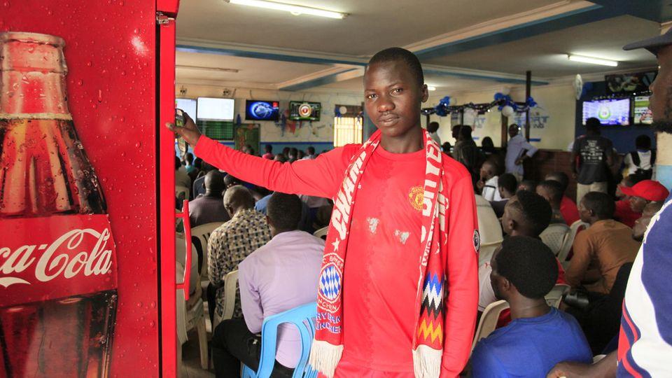 Ashraf Musa, 21, wettet nur auf seine Lieblingsvereine FC Bayern und Manchester United