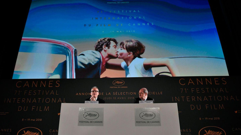 Thierry Fremaux (l.) und Pierre Lescure stellen die Filmauswahl für die diesjährigen Filmfestspiele in Cannes vor