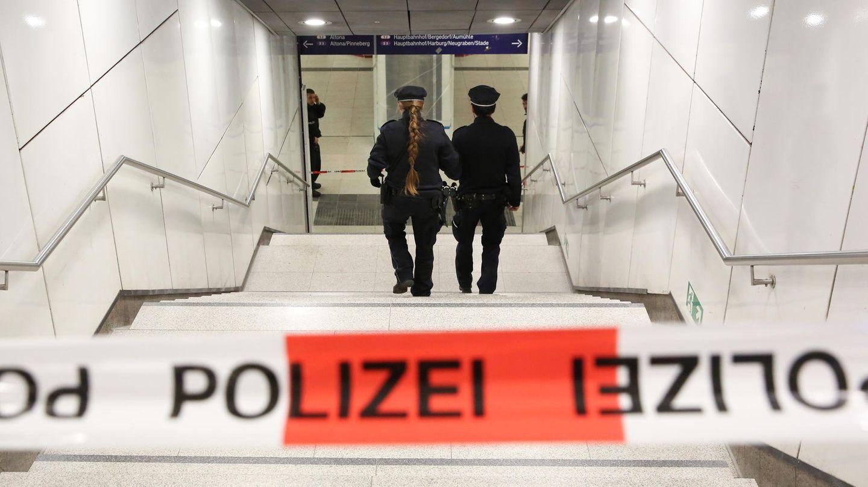 Jungfernstieg, Hamburg: Die Polizei sichert den Tatort