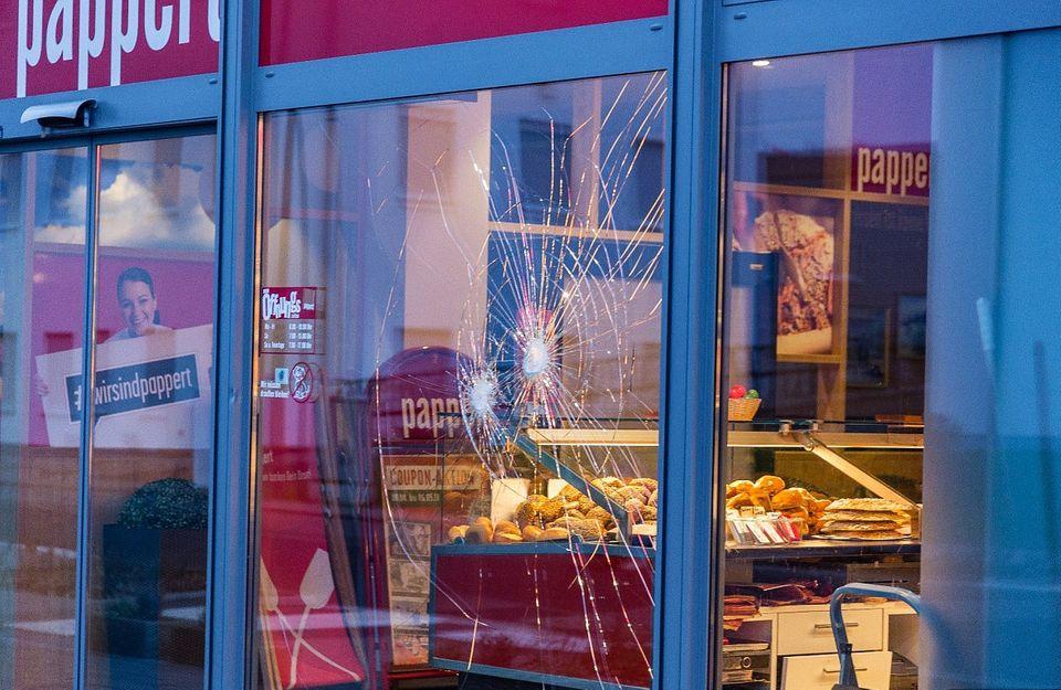 Zerbrochene Ladenscheibe in Fulda