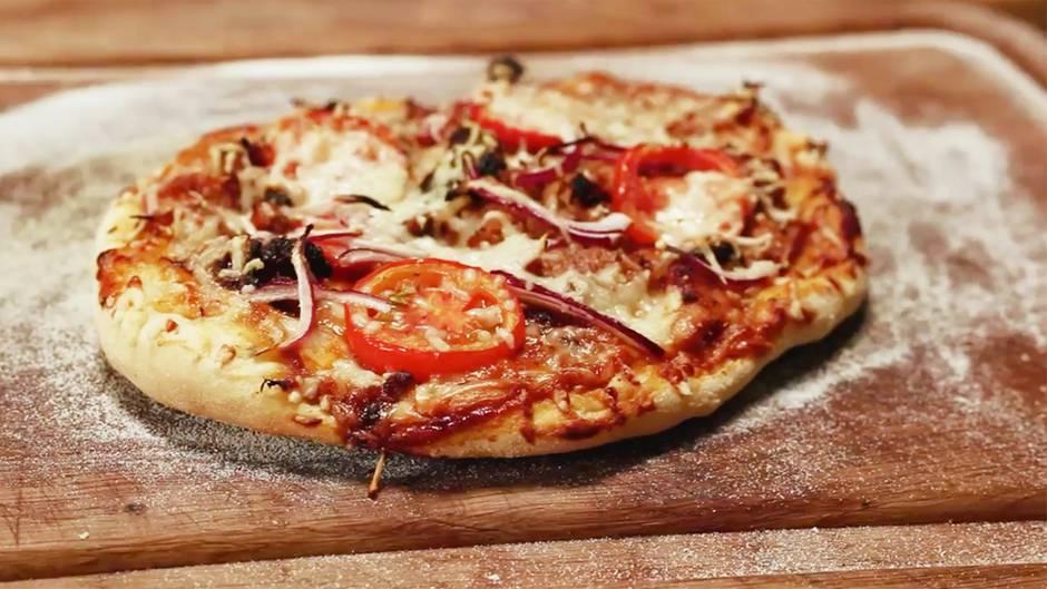 Grillen für Profis: Die ultimative Barbecue-Pizza vom Rost