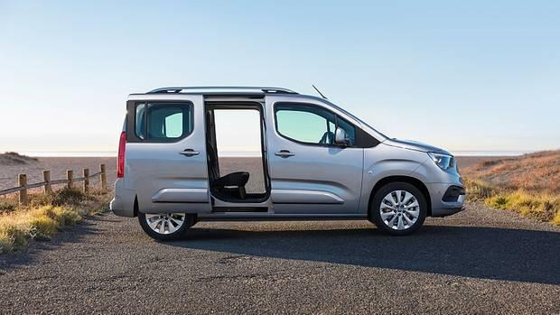 Auf Wunsch hat der Opel Combo Life zwei praktische Schiebetüren