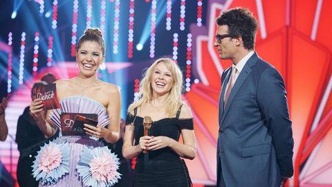 Verstehen sich gut: Kylie Minogue (Mitte) mit den Moderatoren Victoria Swarovski und Daniel Hartwich