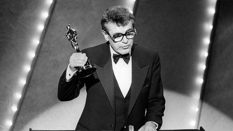 """egisseur Milos Forman bekommt den Oscar für seinen Film """"Amadeus"""""""