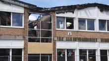 Die Hauptschule nach dem Brand: Das Treppenhaus und Teile des Dachs sind völlig zerstört