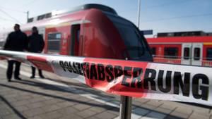 Mutmaßlicher Sexualdelikt in Fußball-Sonderzug: Polizei fahndet nach 30-Jährigen Mönchengladbacher