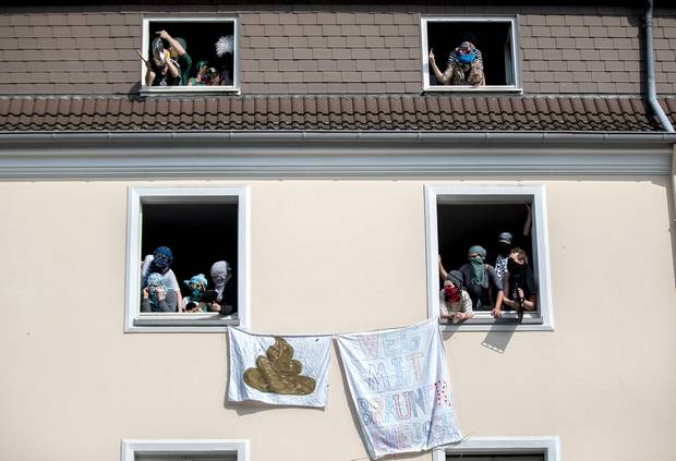 Anwohner protestieren in Dortmund gegen rechts