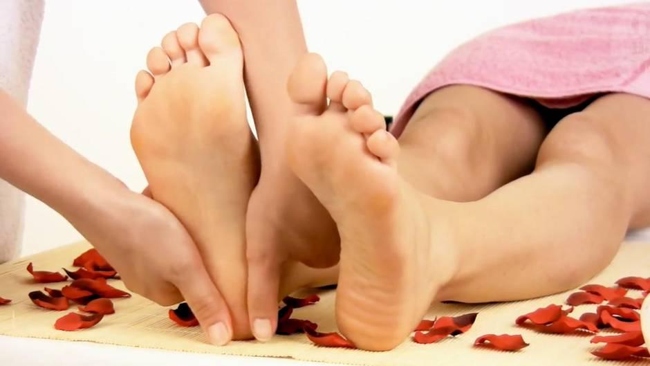 Tipps gegen Hornhaut: Mit diesen Mitteln bekommen Sie weiche Füße