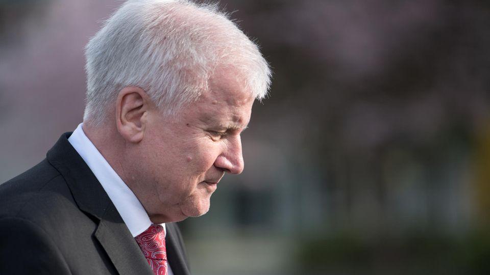Horst Seehofer und die weiteren Verhandlungsführer kommen mit den Tarifverhandlungen nicht voran