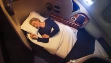 Platz 10: Qantas  So liegt man bei einem Nachtflug der australischen Qantas in der First Class an Bord des Airbus A380. Auf den folgendem Seiten der Fotostrecke stellen wir die Top-Airlines der jüngsten Skytrax-Umfrage mit einer First Class vor.