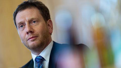Sachsens Ministerpräsident kritisiert neuen Feiertag im Norden: Porträt Michael Kretschmer