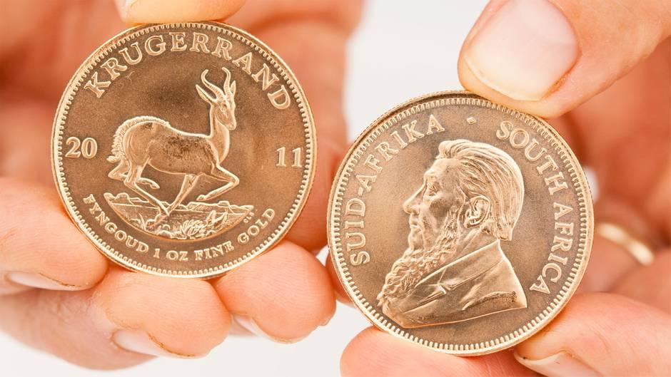 Gold Als Geldanlage Was Man Bei Münzen Barren Und Wertpapieren