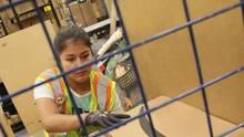 Lagerarbeiterin bei Amazon