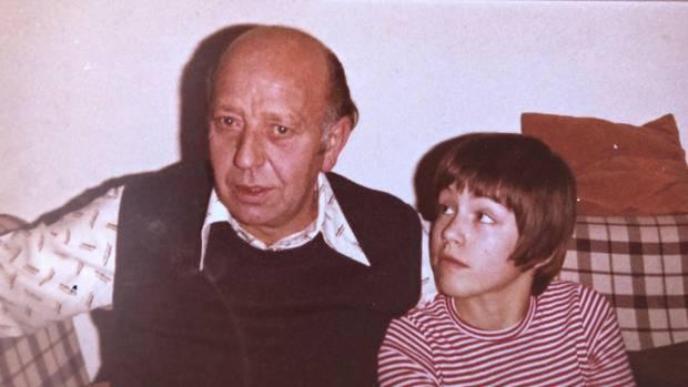 Ingo Scheel und sein Opa, 1978