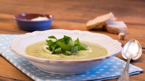 suppen: Kartoffel-Topinambur-Suppe mit Bärlauch