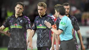 Niels Petersen und der SC Freiburg nach dem Videobeweis in der Halbzeitpause: Keine rechtlichen Schritte aber ein großer Vorwurf