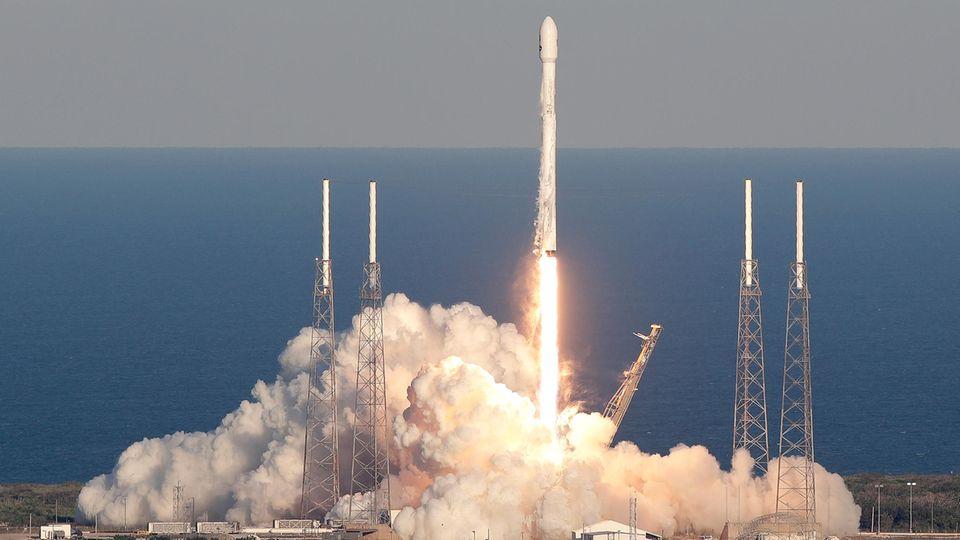 """Start vom Cape Canaveral: Weltraumteleskop """"Tess"""" der Nasa hebt ab"""