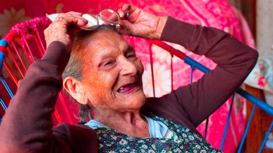 Guadalupe Palacios will Kindergärtnerin werden. Deswegen besucht sie nun die Schule. Mit 96 Jahren.