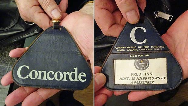 Den ledernen Kofferanhänger trägt Fred Finn stets bei sich: Eine Erinnerung an die Teilnahme des ersten Concorde-Fluges im Jahre 1976.