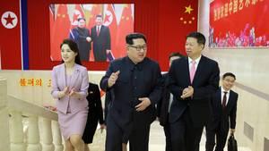 Kim Jong Un mit seiner Frau Ri Sol Ju in China