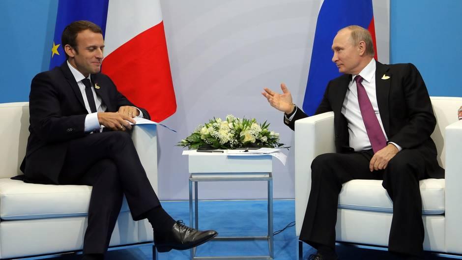 """Emmanuel Macron attackiert Wladimir Putin: """"Er ist besessen von einer Einmischung in unsere Demokratien"""""""