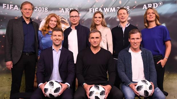 Mit diesem Team berichtet die ARD über die Fußball-WM in Russland