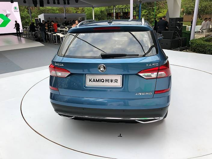 Auch von hinten ist der Kamiq sofort als Skoda zu erkennen