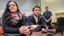Beate Zschäpe mit ihrem Anwalt