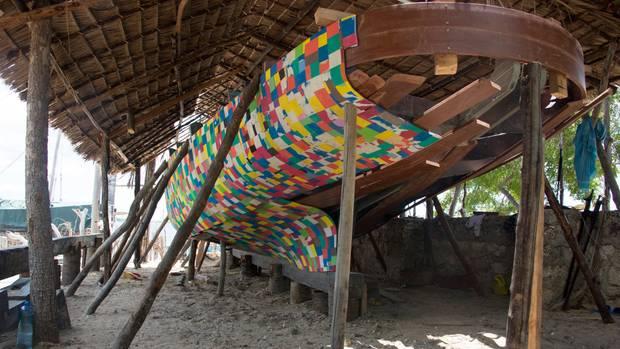 Das FlipFlopi, ein traditionelles Segelboot, aus recyceltem Plastikmüll.