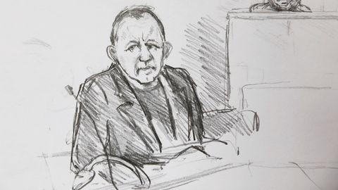 Peter Madsen sitzt emotionslos im Gerichtssaal. Minutenlang zuckt kein Muskel.
