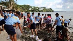 Säuberungsaktion auf der philippinische Urlaubsinsel Boracay