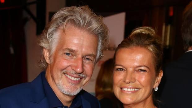 Große Liebe und bester Kamerad: Schätzing mit seiner Frau Sabina