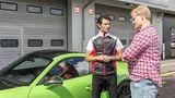 Ex-Formel 1-Star Mark Webber und Redakteur Marcel Sommer im Gespräch über den Porsche 911 GT3 RS.