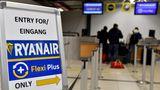 Der irische Billigflieger Ryanair verlangt für das Ticket zum Low-Tarif Berlin-Dublin 95,86 Euro und 35 Euro für den Koffer - macht 37 Prozent für das Gepäckstück vom Ticketpreis.