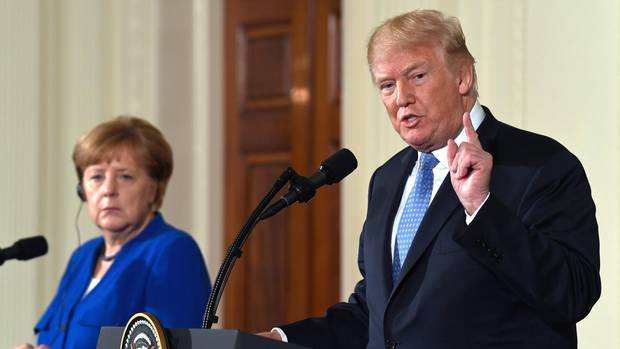 Im Ausland unbeliebt zu sein, sieht Donald Trump als Zeichen für seine gute Arbeit