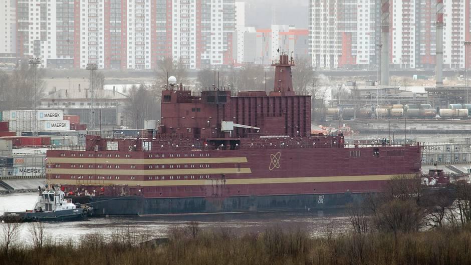 """Die """"Akademik Lomonossow"""", das erste schwimmende russische Atomkraftwerk."""