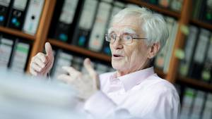 Hans-Christian Ströbele spricht in einem Interview über die RAF