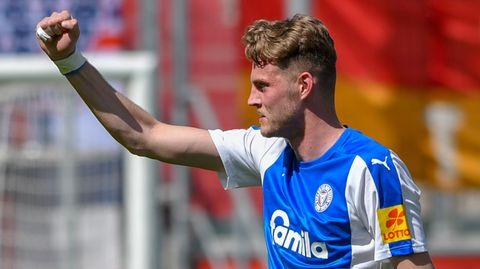 Marvin Duksch und sein Verein Holstein Kiel dürfen weiter vom Aufstieg träumen