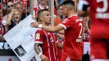 Niklas Dorsch (l.) traf bei seinem Bundesliga-Debüt für den FC Bayern München