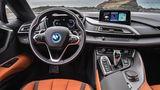 Klar und übersichtlich: Das Cockpit des BMW i8 Roadster