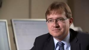 Oberstaatsanwalt Thomas Goger (Zentralstelle Cybercrime Bayern) unterstützt den Ansatz, mit fiktivem Kinderpornografie-Material Täter im Netz zu überführen.