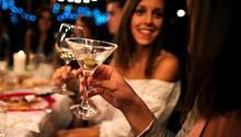 ... nämlich den klassischen Martini. Ein Gläschen hat gerade einmal 70 Kilokalorien.
