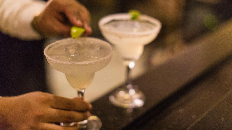 Margaritas sind leider auch echte Kalorienbomben: Die Mischung aus Alkohol, Sirup, Zucker und Säften hat es in sich. Bis zu 700 Kilokalorien stecken in einem Glas.